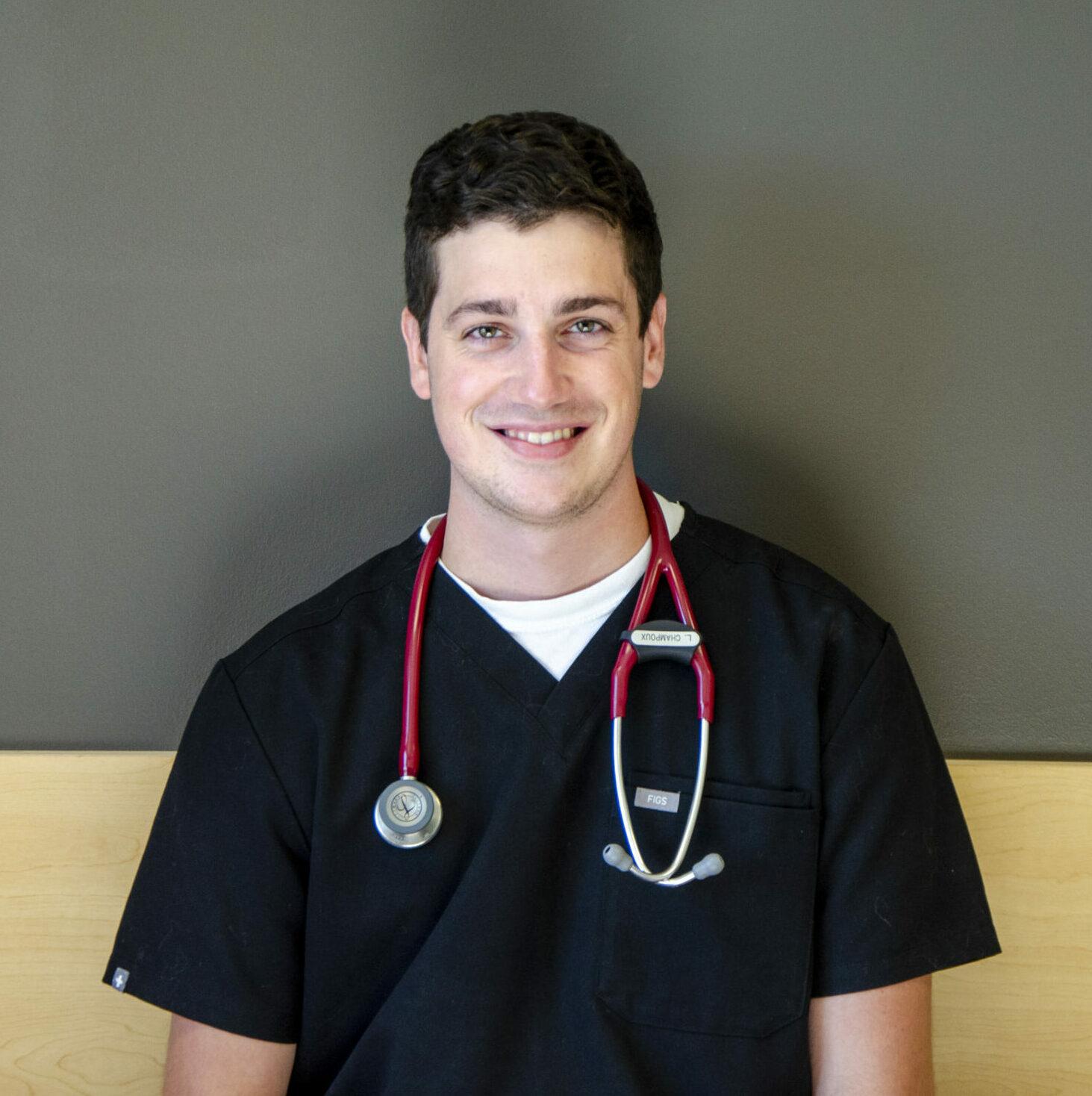 Dr. Lucas Champoux